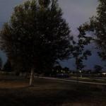 parc seul de nuit